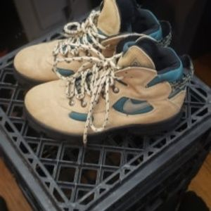 Nike Air ACG Suede Boots